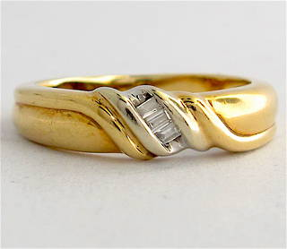 9ct yellow/white gold diamond ring