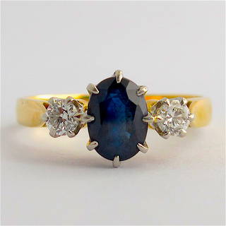 18ct yellow gold and platinum sapphire and diamond ring