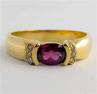 9ct yellow gold amethyst and diamond dress ring