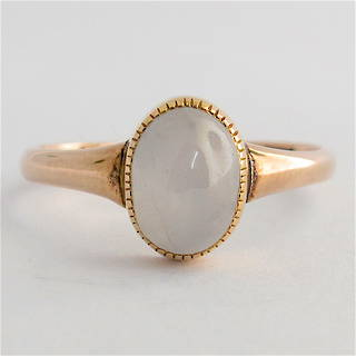 9ct yellow gold moonstone ring