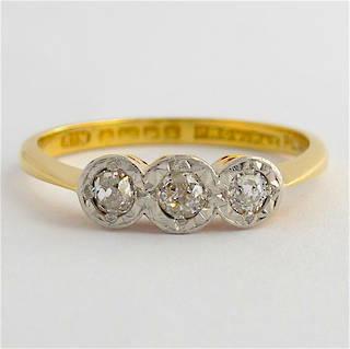 18ct yellow gold/platinum antique 3 stone diamond ring