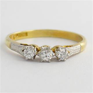 18ct yellow gold & platinum 3 stone diamond ring
