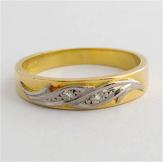 18ct yellow gold & rhodium plated diamond band