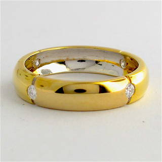 18ct bi-tonal gold diamond band