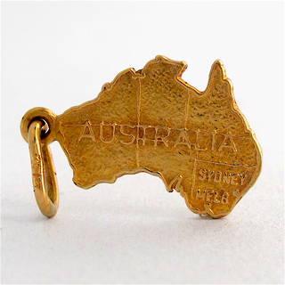 9ct yellow gold Map of Australia charm