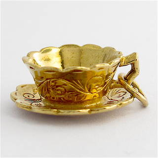 9ct yellow gold teacup charm