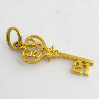 18ct yellow gold 21st key charm