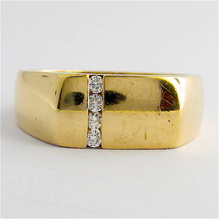 9ct yellow gold and diamond set Gent's dress ring