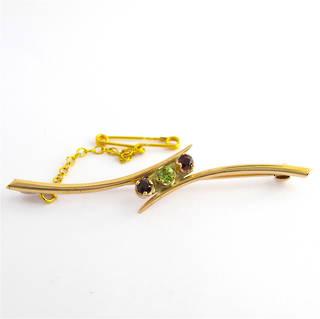 9ct rose gold garnet and peridot brooch