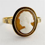 9ct yellow gold vintage shell cameo ring