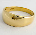 9ct yellow gold graduating band
