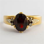 9ct yellow gold garnet and diamond set ring