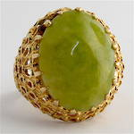 18ct yellow gold and large jade dress ring