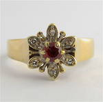 9ct yellow gold garnet and diamond ring
