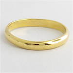 18ct yellow gold rounded band