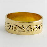9ct yellow gold patterned band