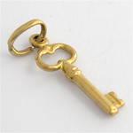 9ct yellow gold key charm