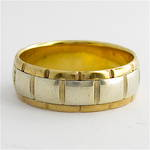 Men's 9ct bi-tonal fancy band