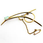 9ct yellow gold and opal brooch