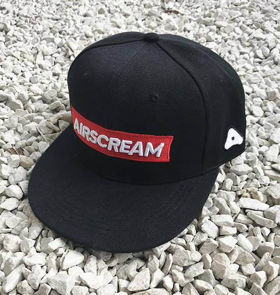 AIRSCREAM Red Logo Cap Black
