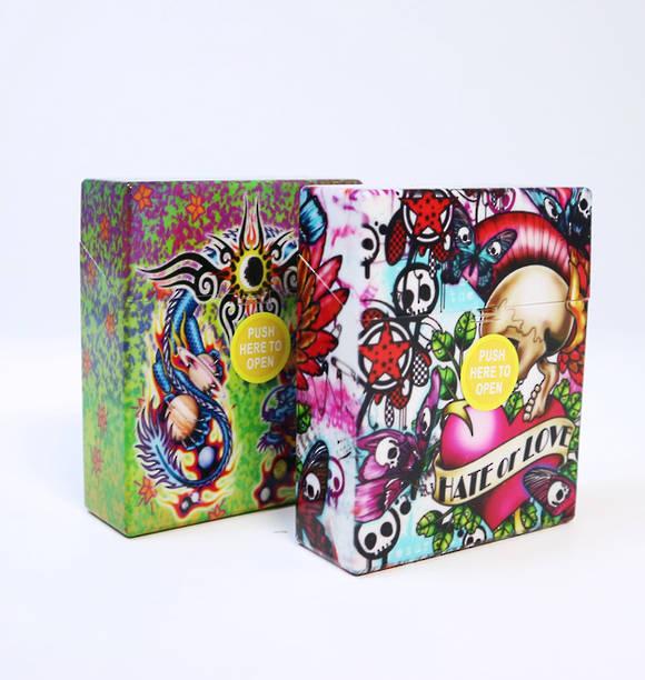 "Punk ""Hate or Love"" Cigarette Case Random Colour"