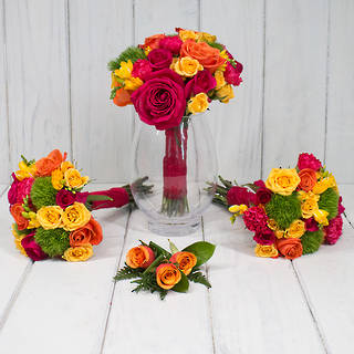BRIGHT SEASONAL WEDDING FLOWERS