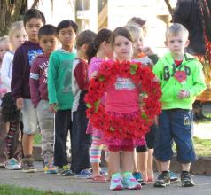 Children waiting to lay their wreaths