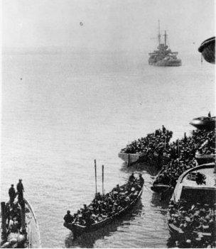 Photo of Auckland Battalion landing at Gallipoli Turkey during World War I 25 April 1915(copy)
