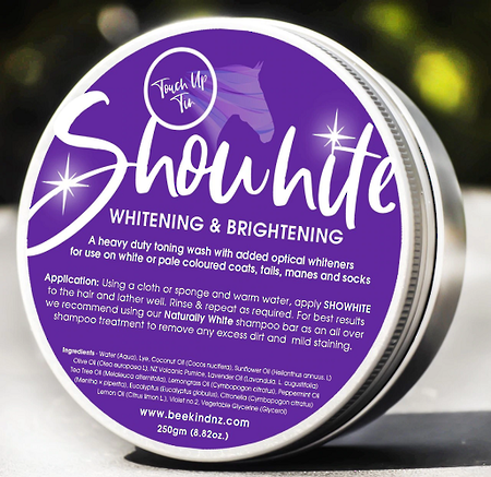 Bee Kind Showhite Toning Shampoo in a Tin!