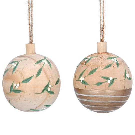 Wood Ball With Mistletoe 6cm