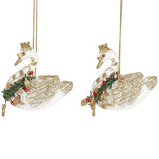 Resin Regal Swan with Wreath Collar