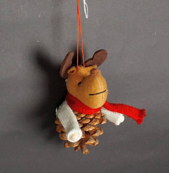 Hanging Reindeer Pincone