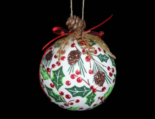 Fabric Ball Woodlands Holly 7cm