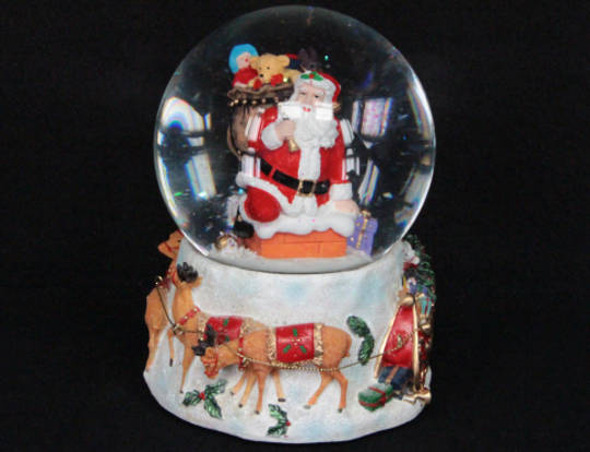 Musical SnowGlobe Santa on a Chimney