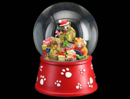 SnowGlobe Cats with Parcels