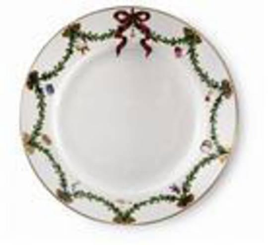 StarFluted Christmas Dinner Plate
