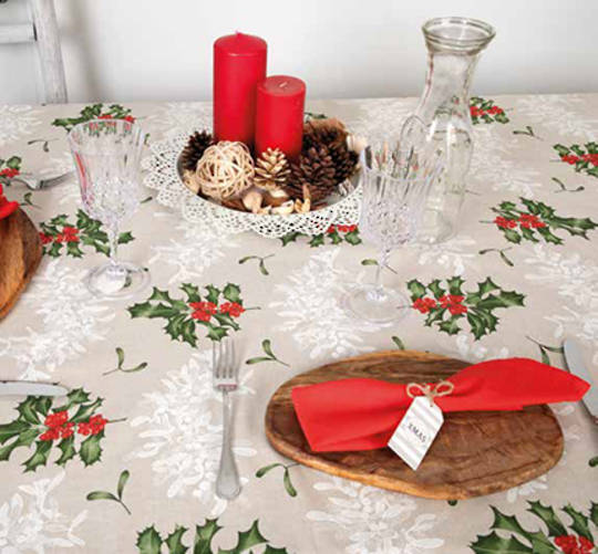 Holly Mistletoe Tablecloth Round 180cm