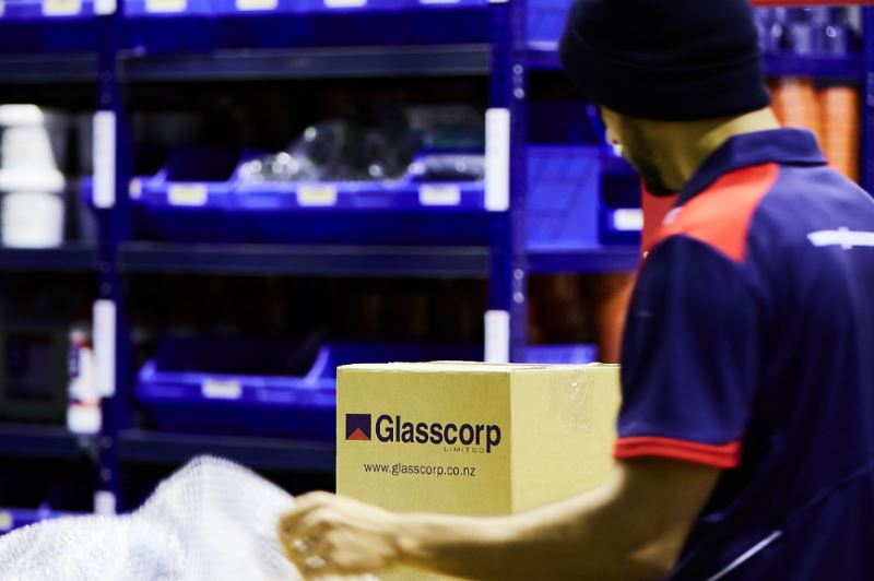 170814 Glasscorp 2614-966