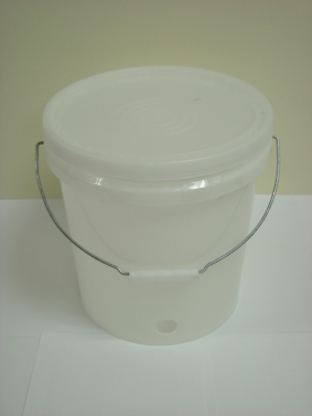 10L Drilled Pails for C/F tap with lid