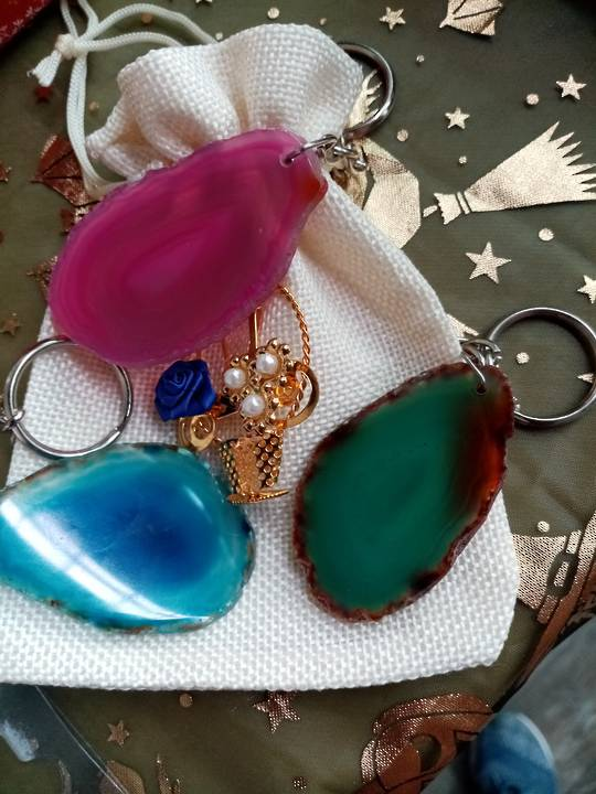 Agate gemstone key rings (coloured)