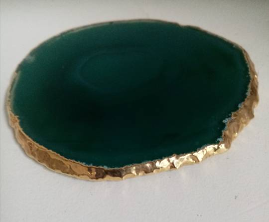 Agate crystal with gold rim(Chakra – solar plexis)