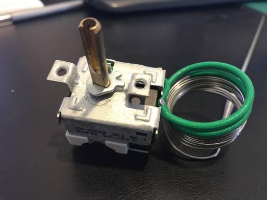 Beko Oven Thermostat CSM86300gw, DC3511, DC3521, DC3631, DCC4521, DV300, DV5522, DV5531, DV5631, DVC61, DVC6531, DVC6631