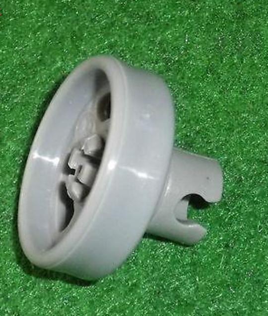 Fisher Paykel Dishwasher Lower Basket Wheel DW60CCW1, CCX1/CEX1, DW60CCW1, DW60CCX1, DW60CDW3, DW60CDX3, DW60CEW1, DW60CEX1, DW6