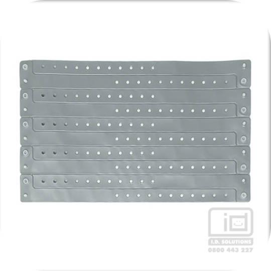 Silver vinyl wristbands (17)