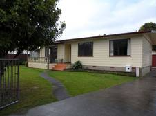 #1911 - Bay House -approx 89m2 - 3 bed/1bath