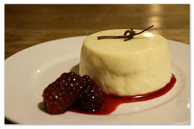 Vanilla Pannacotta with Boysenberries and Sauce