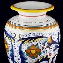 Italian  Ceramics Ricco Deruta Vase