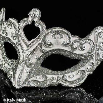 Venetian Masquerade Mask Colombina Vin White Silver