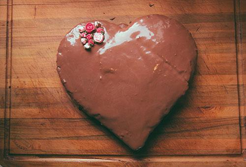 Kilinchy-Gold-Valentines-Cake-500x340
