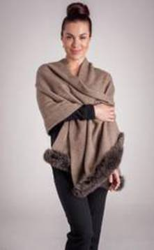 Ladies' possum fur-trimmed Shawl